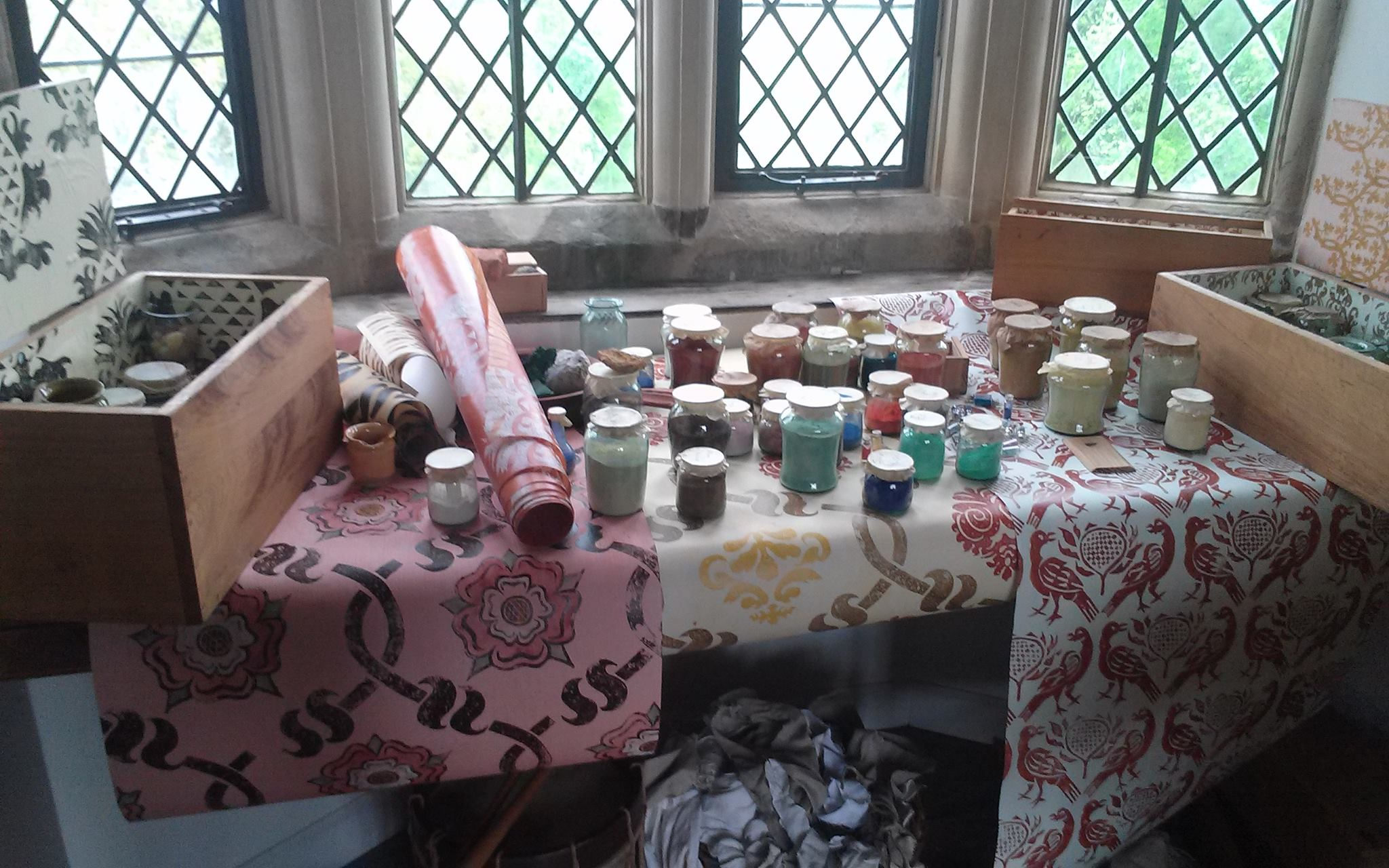 Making Tudor paint